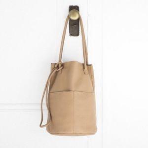 COPY - Are Studio barrel bag in DUST xlnt conditi…